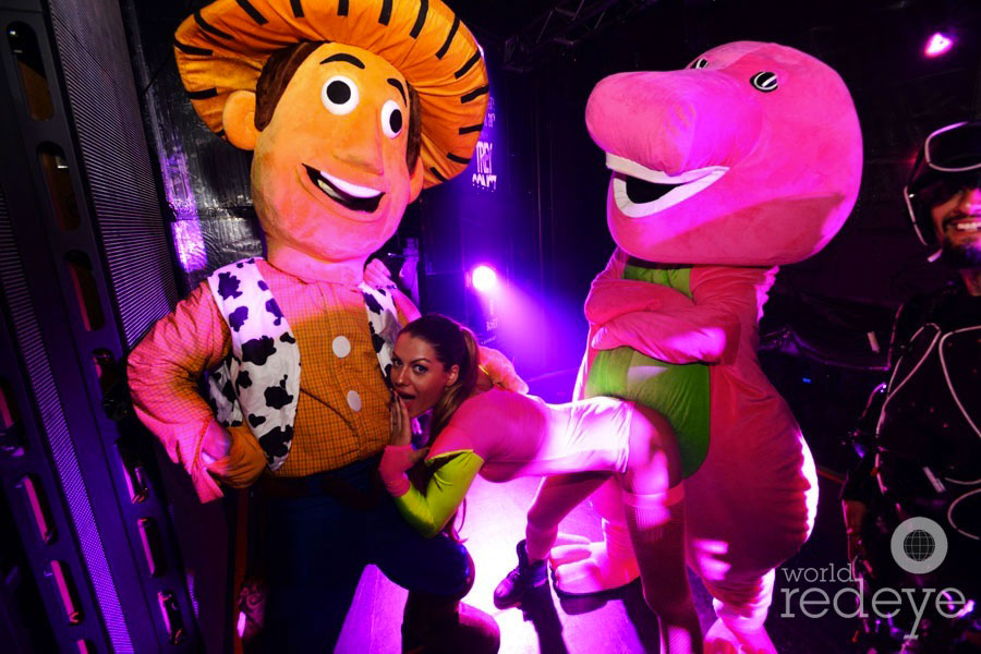33-Woody-Barney